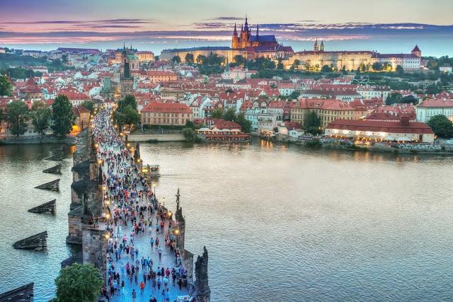 Magnifique Prague la ville aux mille clochers