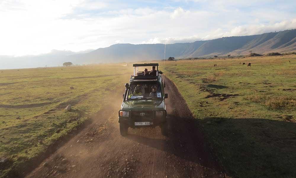 Voyages-Traditours-Safari-Tanzanie-camion