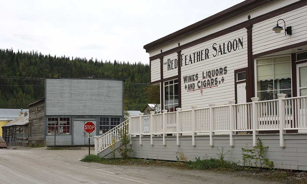 Voyages-Traditours-Circuits-Canada-Yukon-Red-Feather-Saloon