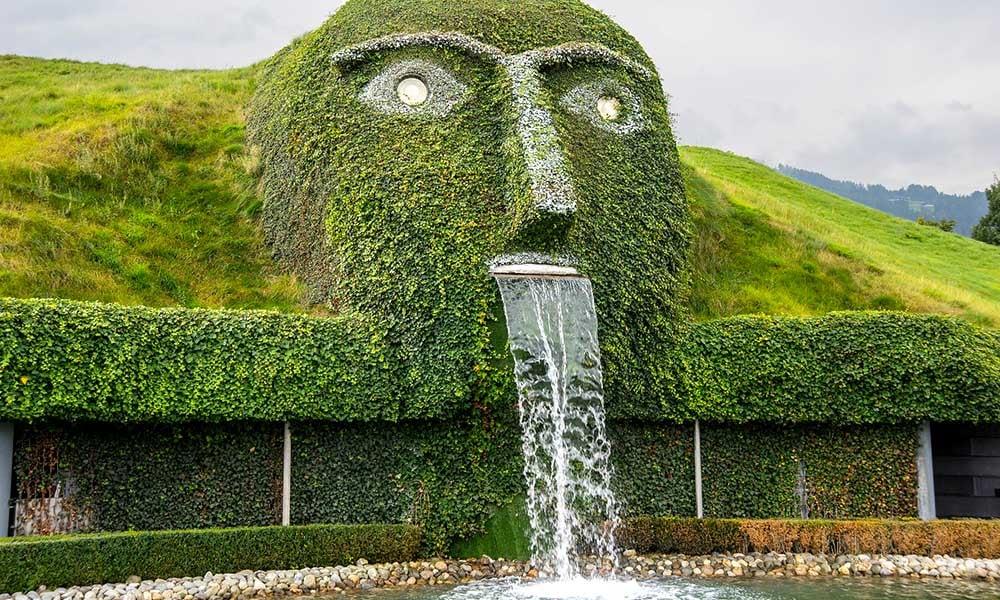 Sculpture-monde-cristal-Swarovski-Autriche