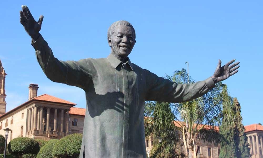 Sculpture-Nelson-Mandela-Afrique