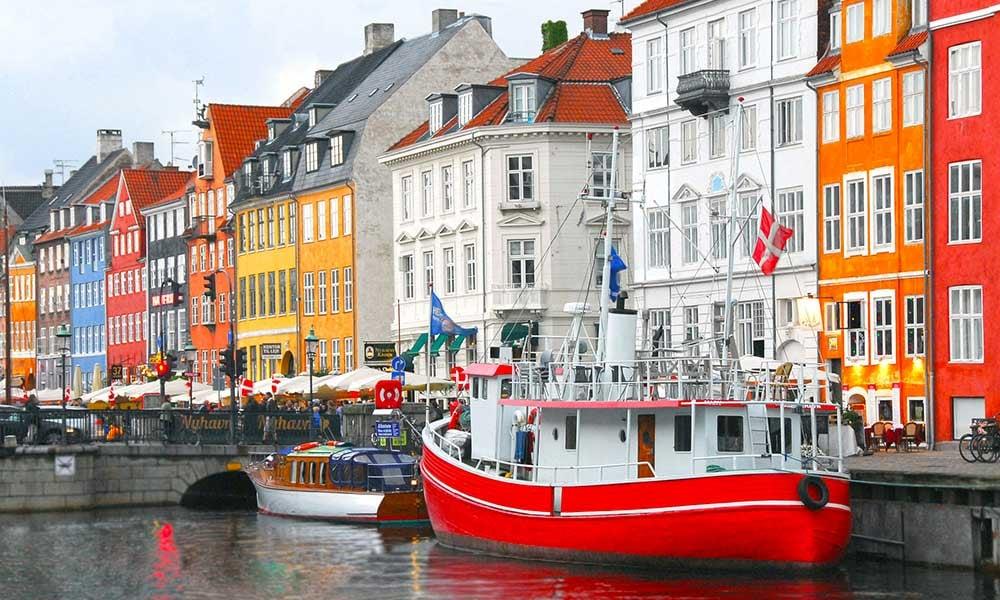 Traditours-villes-colorees-Danemark-Copenhague-Nyhavn