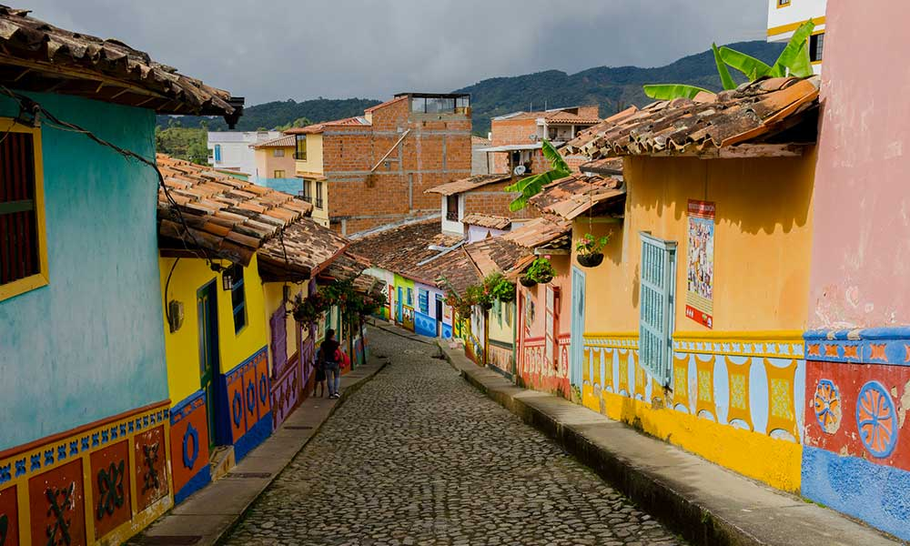 Traditours-villes-colorees-Colombie-Guatape