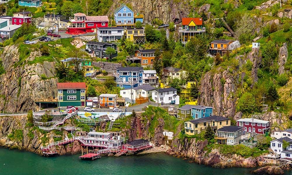 Traditours-villes-colorees-Canada-Terre-Neuve-Saint-Jean