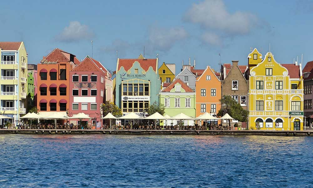 VoTraditours-villes-colorees-Caraibes-Curacao-Willemstad