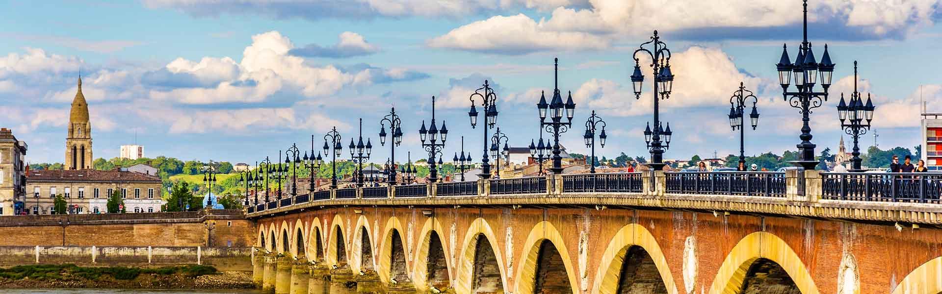 Pont de bordeaux en France
